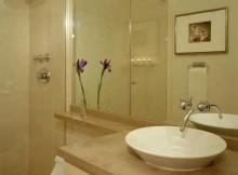 Fotos de Banheiros pequenos bege