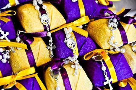 Fotos e imagens de Casamento amarelo com roxo