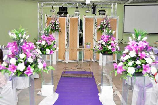 dicas de como decorar casamentos com flores simples