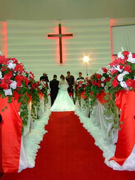 Decoraç u00e3o de Casamento Vermelho Fotos, Ideias, Dicas -> Decoração De Casamento Vermelho E Branco Simples Na Igreja