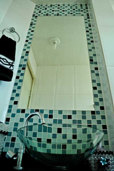 banheiros com pastilhas da moda