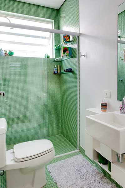 Banheiros Com Pastilhas Verdes Banheiro Pequeno Simples Banheiros De Pictures -> Banheiro Pequeno Branco E Verde