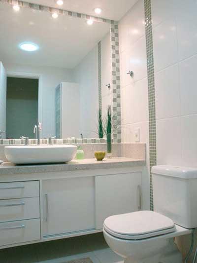 51 BANHEIROS DECORADOS COM PASTILHAS -> Banheiro Decorado Com Prateleiras De Vidro