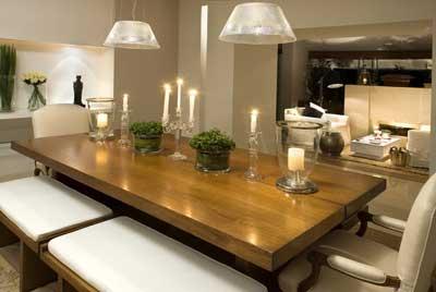 Decora o de sala de jantar pequena grande simples for Mesas auxiliares para sala modernas