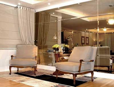 Decora o com salas com espelhos fotos dicas ideias for Azulejo para pared de sala