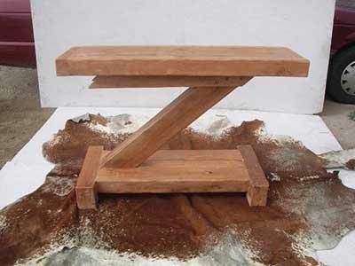 imagens de mesas de madeira