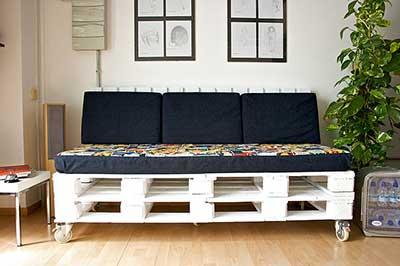 tutorial de como fazer sof s de paletes passo a passo. Black Bedroom Furniture Sets. Home Design Ideas