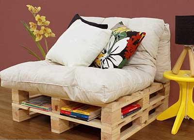 imagens de sofás de paletes
