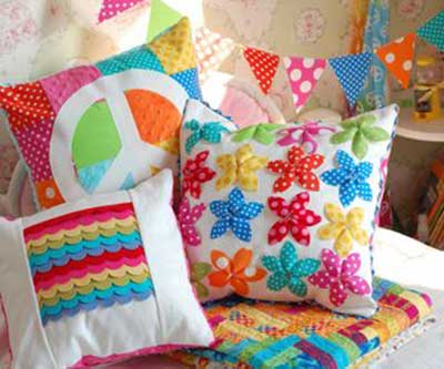 imagens de almofadas coloridas