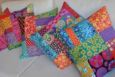 modelos de almofadas coloridas