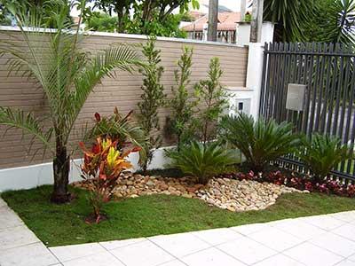 40 fotos e dicas de jardins pequenos decorados for Como decorar un jardin grande