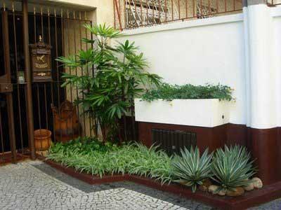 fotos de jardins pequenos