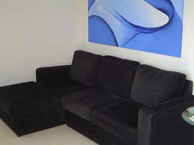 sofá preto