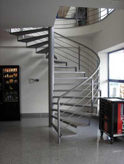 fotos de escadas caracol