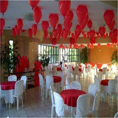 com-balões