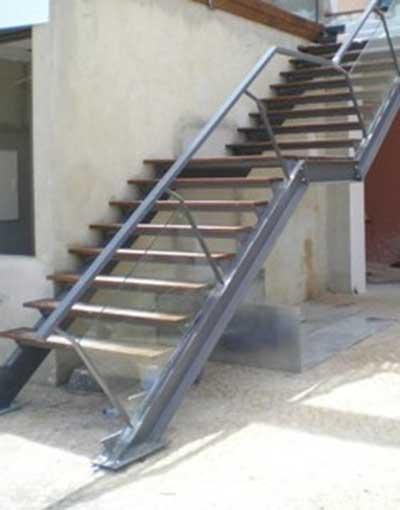 foto de escada de ferro