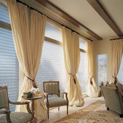 30 modelos de cortinas modernas fotos ideias inspira o for Salas clasicas modernas