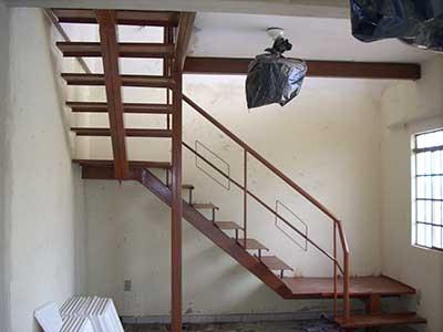 modelo de escada de ferro