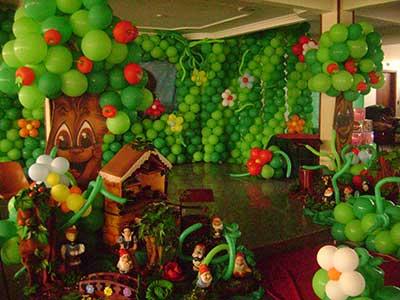 como fazer decoração com balões
