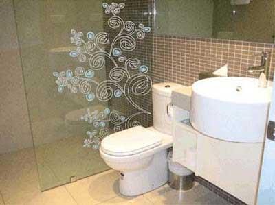 adesivos para banheiros fáceis de colocar