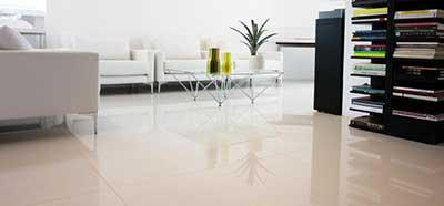 Decora o com piso porcelanato fotos modelos dicas for Pisos de porcelanato para sala