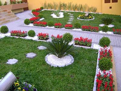 jardim com enfeites