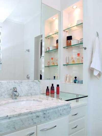 30 Modelos de Prateleiras de Vidro para Banheiro, Quarto -> Banheiro Decorado Com Armario De Vidro