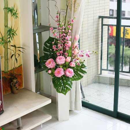 fotos de arranjo com flores artificiais