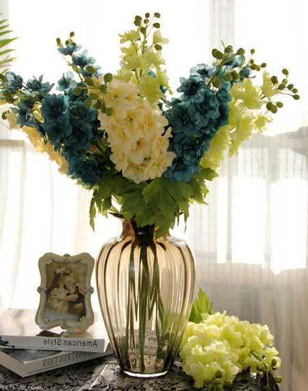 arranjo de flor artificial
