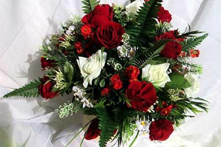 fotos de arranjo de flor artificial