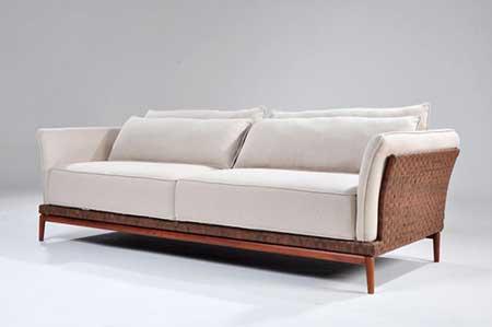 Sof de madeira fotos dicas modelos decora o for Sofa pequeno barato