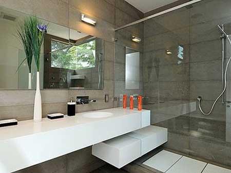 30 banheiros com porcelanato bege branco preto amarelo - Fotos de cuartos de bano modernos ...