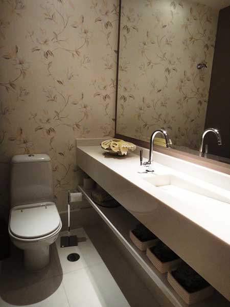35 fotos e modelos de papel de parede para lavabos for Fotos lavabos