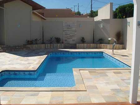 Pisos para piscina pre os fotos modelos antiderrapantes for Tipos de piscinas para casas