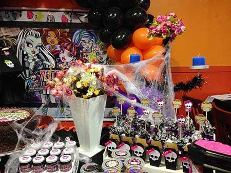 fotos da festa monster high