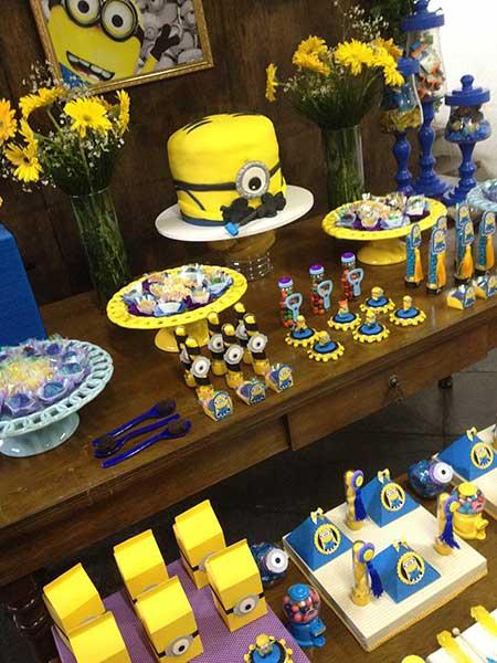 festa minions de aniversário