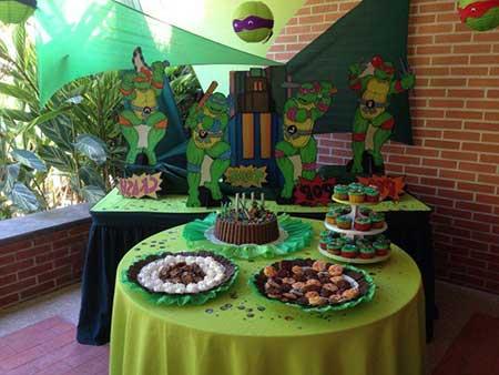 mesa decorada do bolo