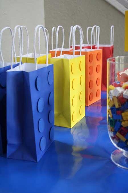 como fazer decoração de lego para festa