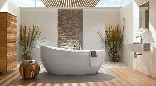 com banheira